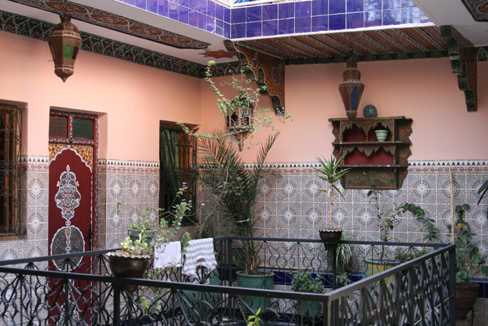 Photo of the inside patio of Hotel Medina, a Marrakech cheap hotel<br /><br />