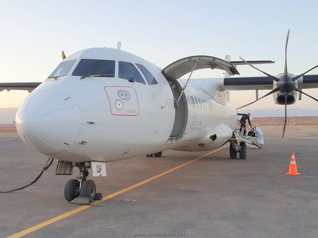 Avião da Royal Air Maroc no aeroporto de Ouarzazate